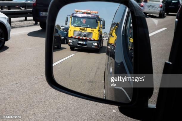 Stau - Blick durch den Rückspiegel