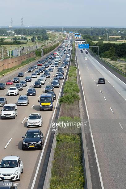 stau auf deutsche autobahn a3 - ollo stock-fotos und bilder