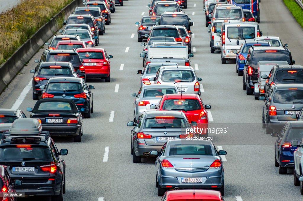 Stau auf der Autobahn in Hamburg, Deutschland : Stock-Foto