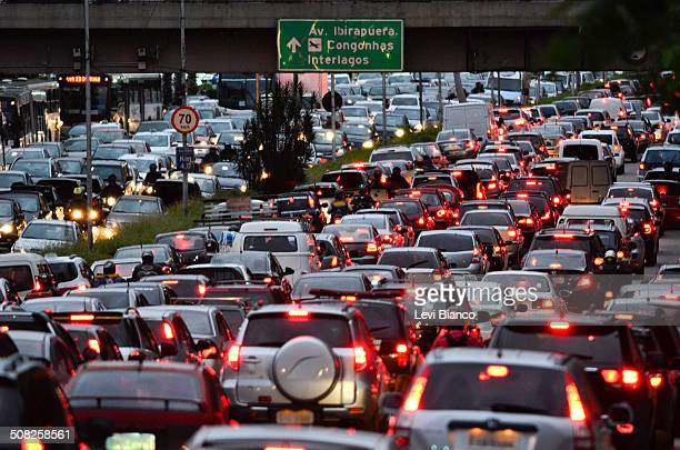 traffic jam - latin america stock pictures, royalty-free photos & images