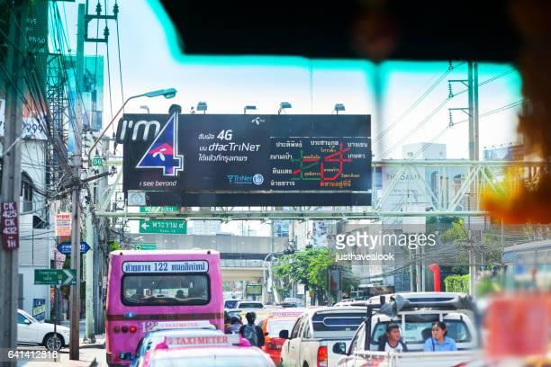 traffic jam scene in bangkok - straßenverkehr imagens e fotografias de stock
