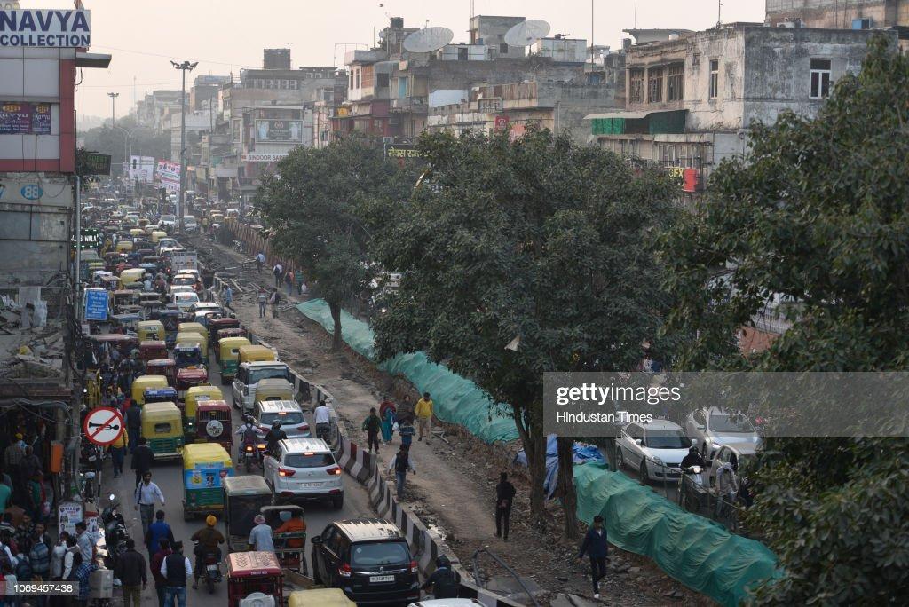Traffic jam seen at Chandni Chowk, on December 7, 2018 in New Delhi
