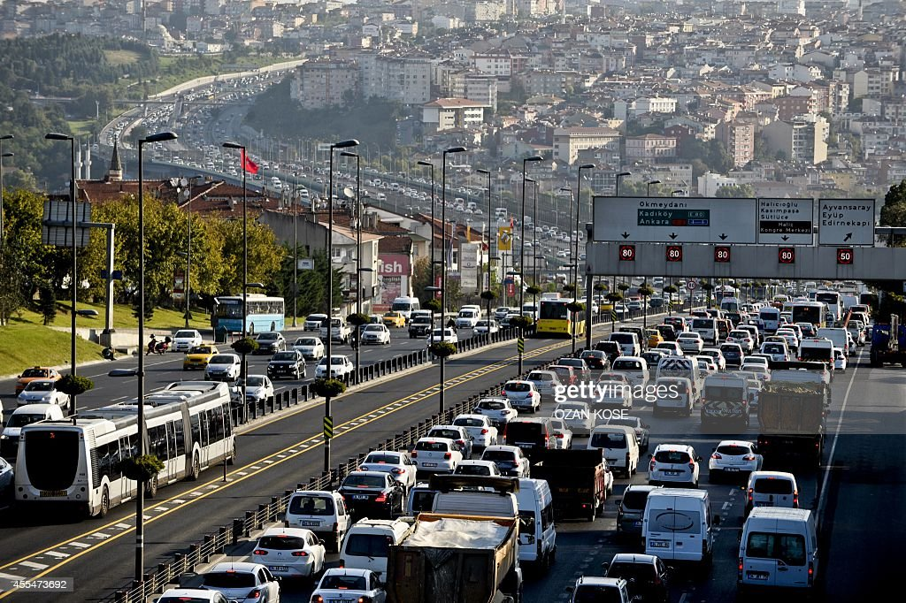 TURKEY-EDUCATION-SCHOOL-TRAFFIC : News Photo