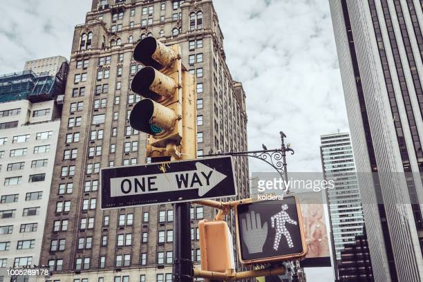 traffic light in midtown manhattan - walk don't walk signal stock pictures, royalty-free photos & images