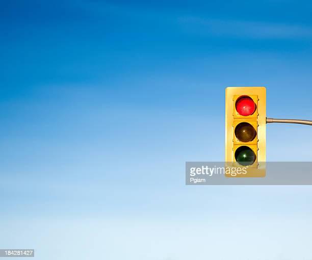 Ampel mit roten stop-Zeichen-Konzept