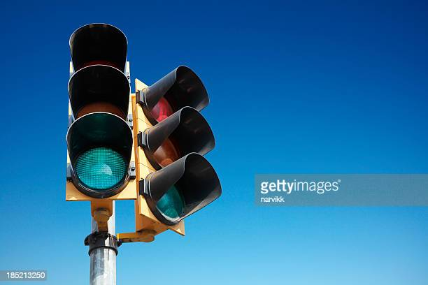 traffic lights - semaphore stock pictures, royalty-free photos & images