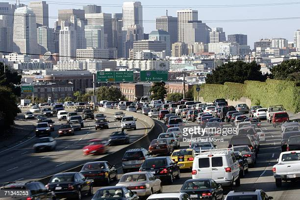 Traffic moves into San Francisco at the beginning of the 4th of July holiday weekend on June 30, 2006 in San Francisco, California. Despite the...