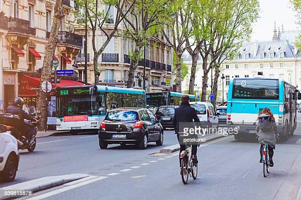 Verkehr auf die Straßen von Paris