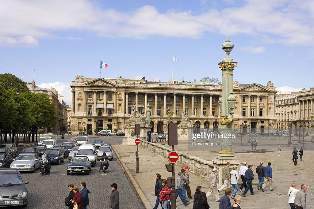 Traffic on a road in front of a hotel, Hotel Crillon, Paris, France : Foto de stock