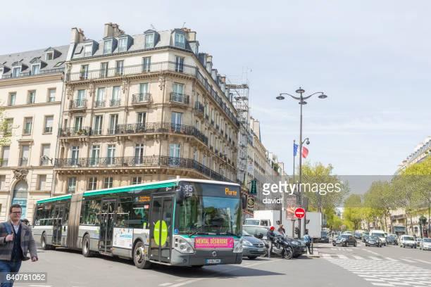 tráfego na boulevard saint germain - bulevar - fotografias e filmes do acervo