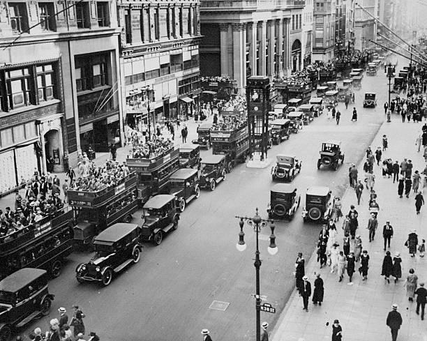 Traffic on Fifth Avenue in 1923.