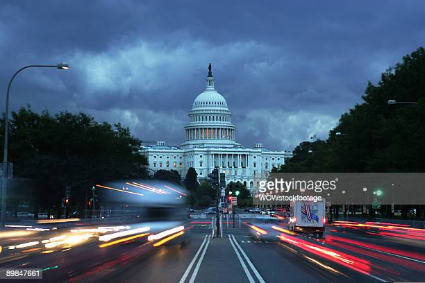 traffic on pennsylvania avenue - capitol hill stock pictures, royalty-free photos & images
