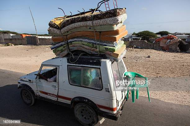 CONTENT] Traffic on the road between Afgoye and Mogadishu in Somalia May 30 1012 Thousands of AMISOM troops from Uganda and Burundi launched an...