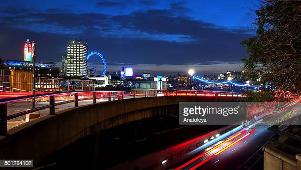 traffic on victoria embankment by blackfriar's bridge - anatoleya stock pictures, royalty-free photos & images