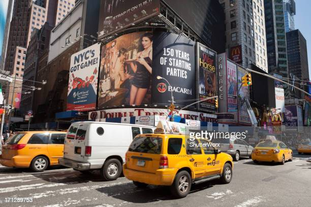 nyc traffic - 7th avenue stock pictures, royalty-free photos & images
