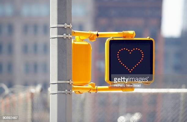交通標識にハート型