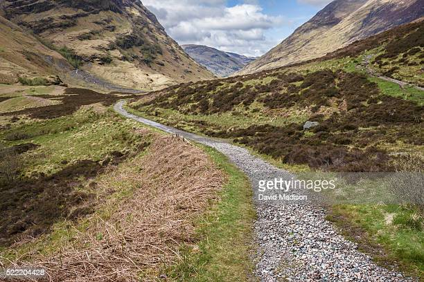 trail in glencoe, scotland - gravel stock pictures, royalty-free photos & images