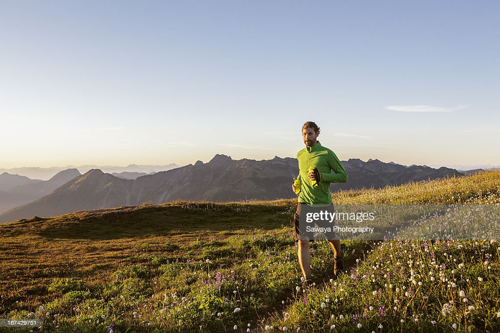 Trail running in the North Cascades : Stock-Foto