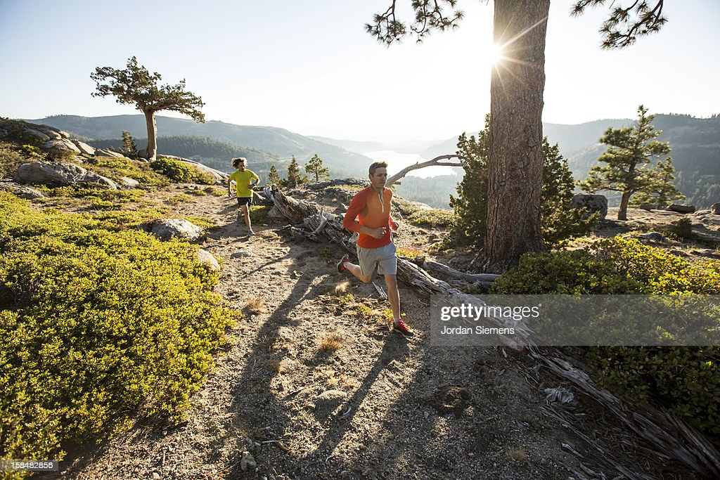 Trail Running in the Sierra Mountains. : Stock-Foto