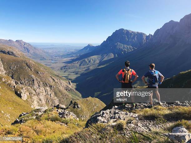 trail running lookout - western cape province stock pictures, royalty-free photos & images