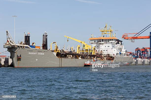 trailing suction hopper dredge barent zanen - suction tube stock pictures, royalty-free photos & images