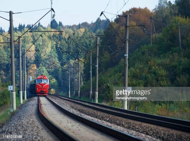 train arriving at station, vilnius, lithuania - lituania fotografías e imágenes de stock
