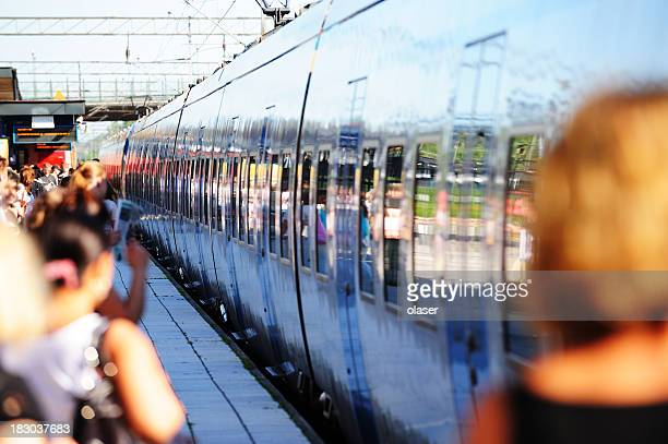 Train arrivant à la gare