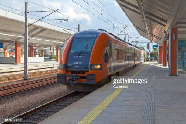 train at krakow central station - gwengoat stock pictures, royalty-free photos & images