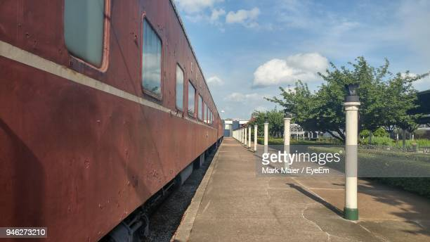 train at railroad station against sky - chattanooga stock pictures, royalty-free photos & images