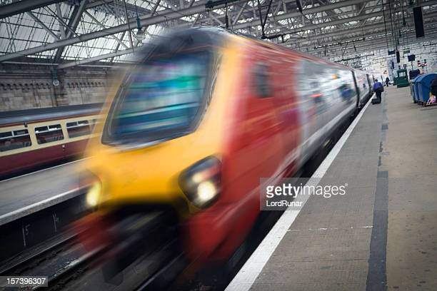 train at station - glasgow scotland stock pictures, royalty-free photos & images