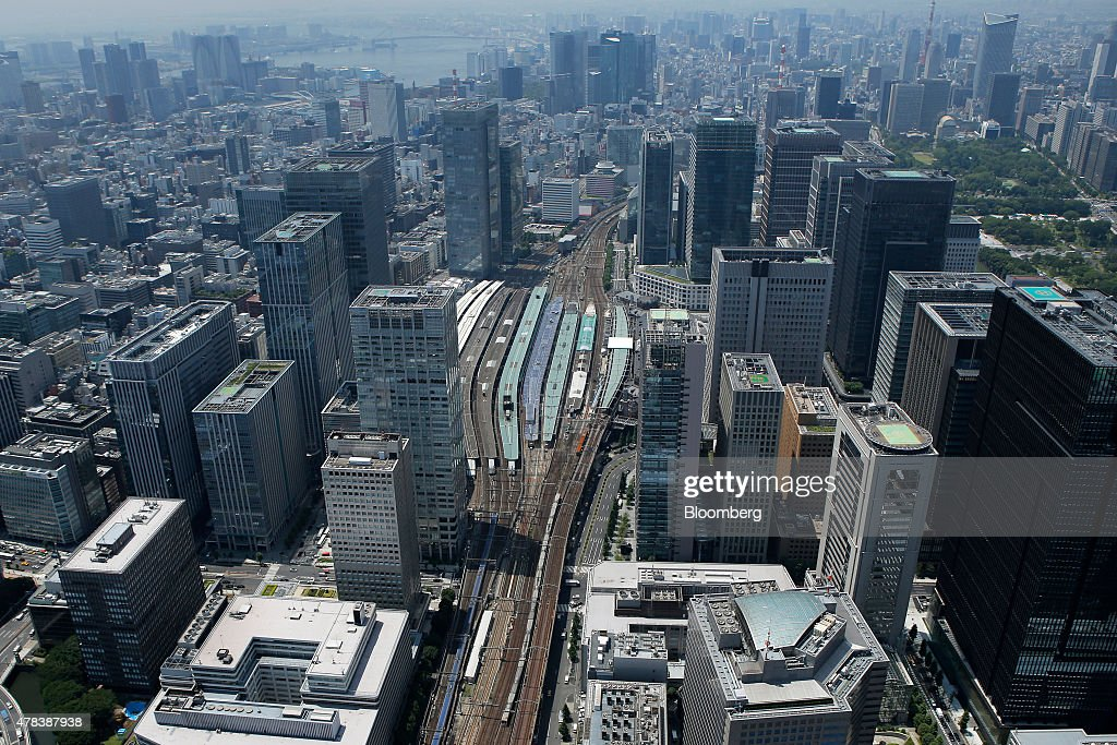 Aerial Views Of Tokyo Bay Area and Financial District : ニュース写真