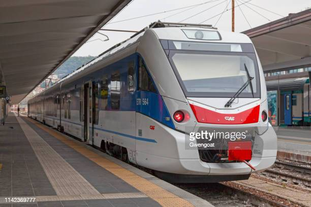 etr 564 train in trieste centrale - gwengoat stock pictures, royalty-free photos & images