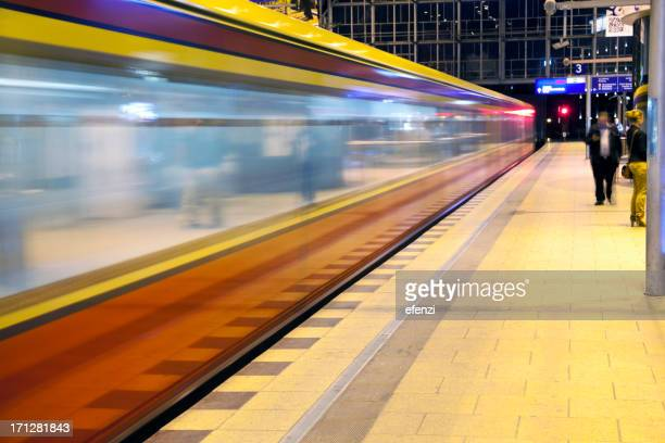 Zug nach Berlin Alexanderplatz Railway Station