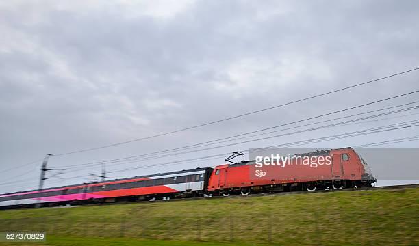 """trem passando a alta velocidade - """"sjoerd van der wal"""" or """"sjo"""" imagens e fotografias de stock"""