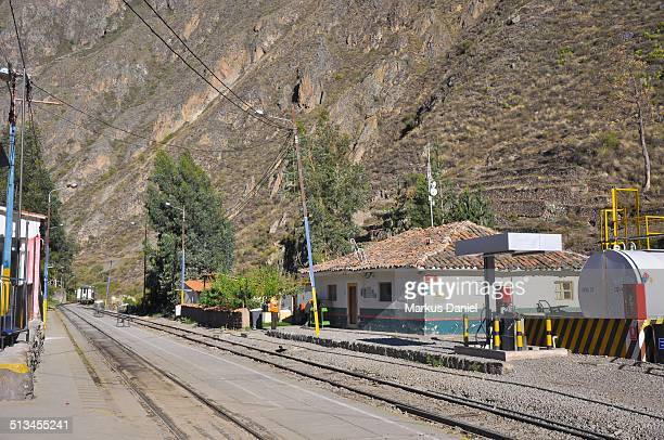 """train station in ollantaytambo, peru - """"markus daniel"""" stock pictures, royalty-free photos & images"""