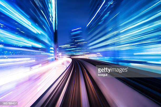 trem pela cidade - túnel estrutura feita pelo homem - fotografias e filmes do acervo