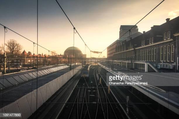 train tracks from maastricht centraal station, netherlands - マーストリヒト ストックフォトと画像