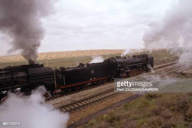Train à vapeur du rallye Paris Moscou Pékin, le 27 Septembre 1992 en Chine.
