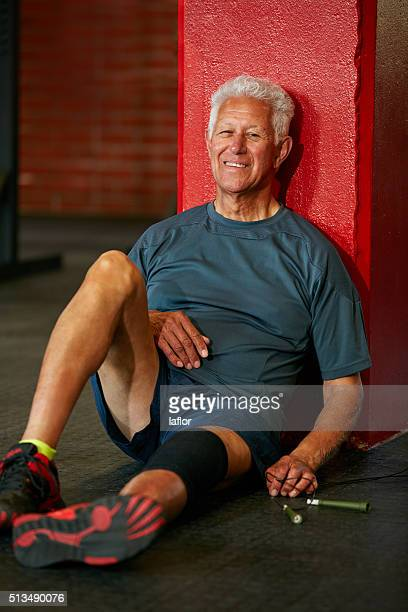 train well, rest well - only senior men stock pictures, royalty-free photos & images