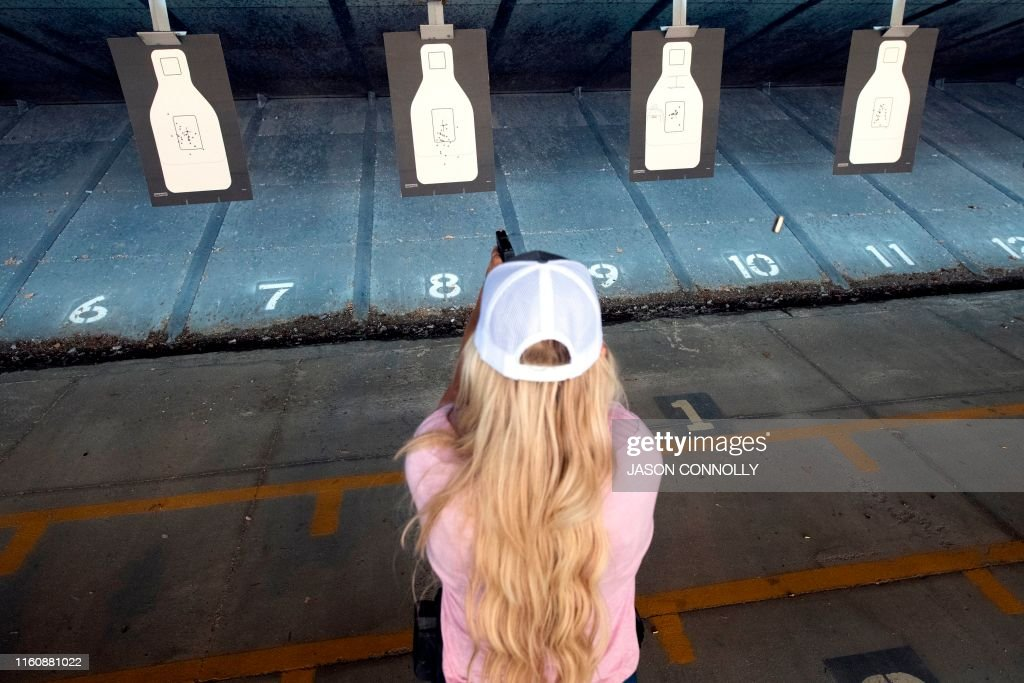 TOPSHOT-US-FIREARMS-TEACHERS : News Photo