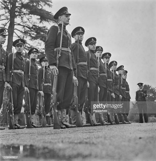 Trainee Polish midshipmen, under the tuition of British Merchant Navy officers, take part in rifle and bayonet drill at the University College in...
