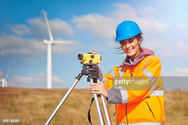 Aprendiz Parque eólico en un sitio topógrafo