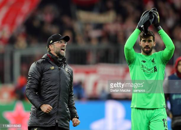 Trainer Coach Jürgen Klopp FC Liverpool Alisson FC Liverpool during the UEFA Champions League Round of 16 Second Leg match between FC Bayern Muenchen...