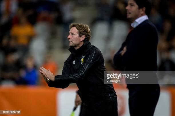 trainer coach Scot Gemmill of Scotland u21 Coach Erwin van de Looi of Jong Oranje during the EURO U21 2019 qualifying match between The Netherlands...