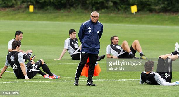 World S Best Fussball Training Stock Pictures Photos And