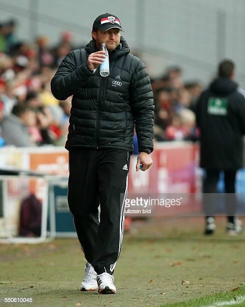 Trainer Ralph Hasenhuettl Hasenhüttl, Einzelbild, Aktion , FC Ingostadt, zweite Bundesliga, Sport, Fußball Fussball, Stadion der Freundschaft...