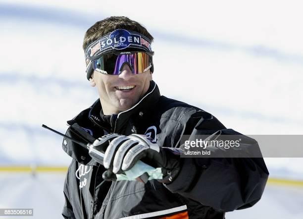 Trainer Ski Alpin D Cheftrainer DSV Ski Alpin Damen Porträt mit Sonnenbrille
