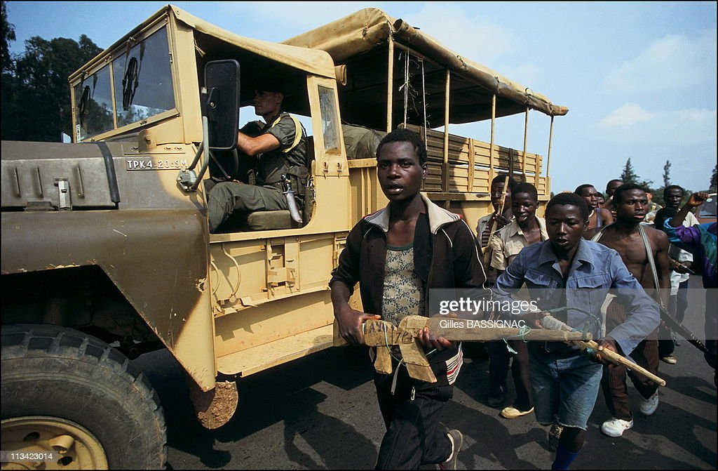 Training Of Young Rwandan Hutu On The Road To Kigali On June 27Th, 1994 - - French Soldiers Watching Young Hutus Training