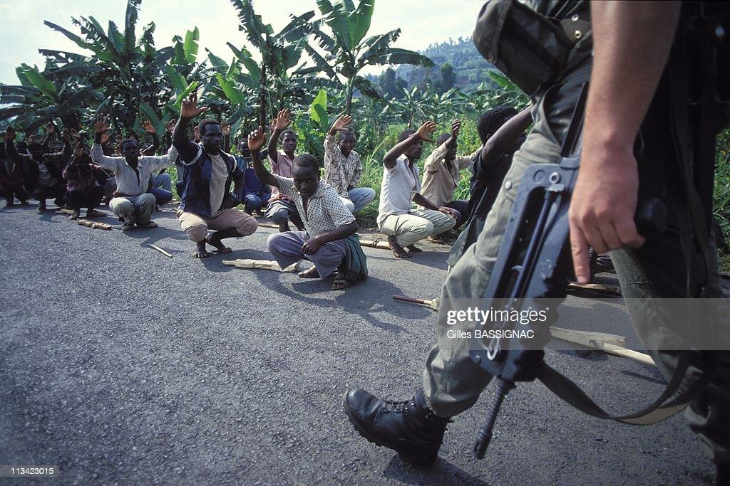 Training Of Young Rwandan Hutu On The Road To Kigali On June 27Th, 1994. : News Photo