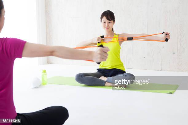 Training with a rubber tube.